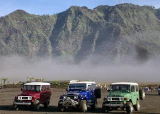 http://www.wisatagunungbromo.com/2013/10/paket-hemat-sewa-jeep-gunung-bromo.html