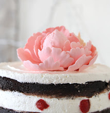 PEONY NAKED CAKE