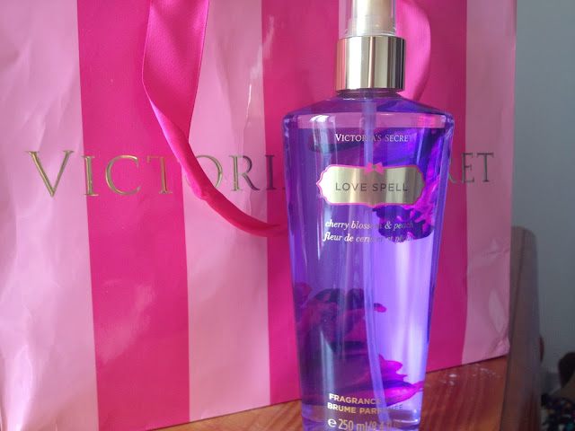 Victoria's Secret: Love Spell Fragrance