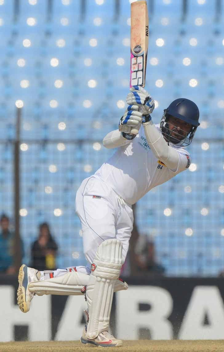 Kumar Sangakkara becomes 4th player to score 400 runs in a Test match