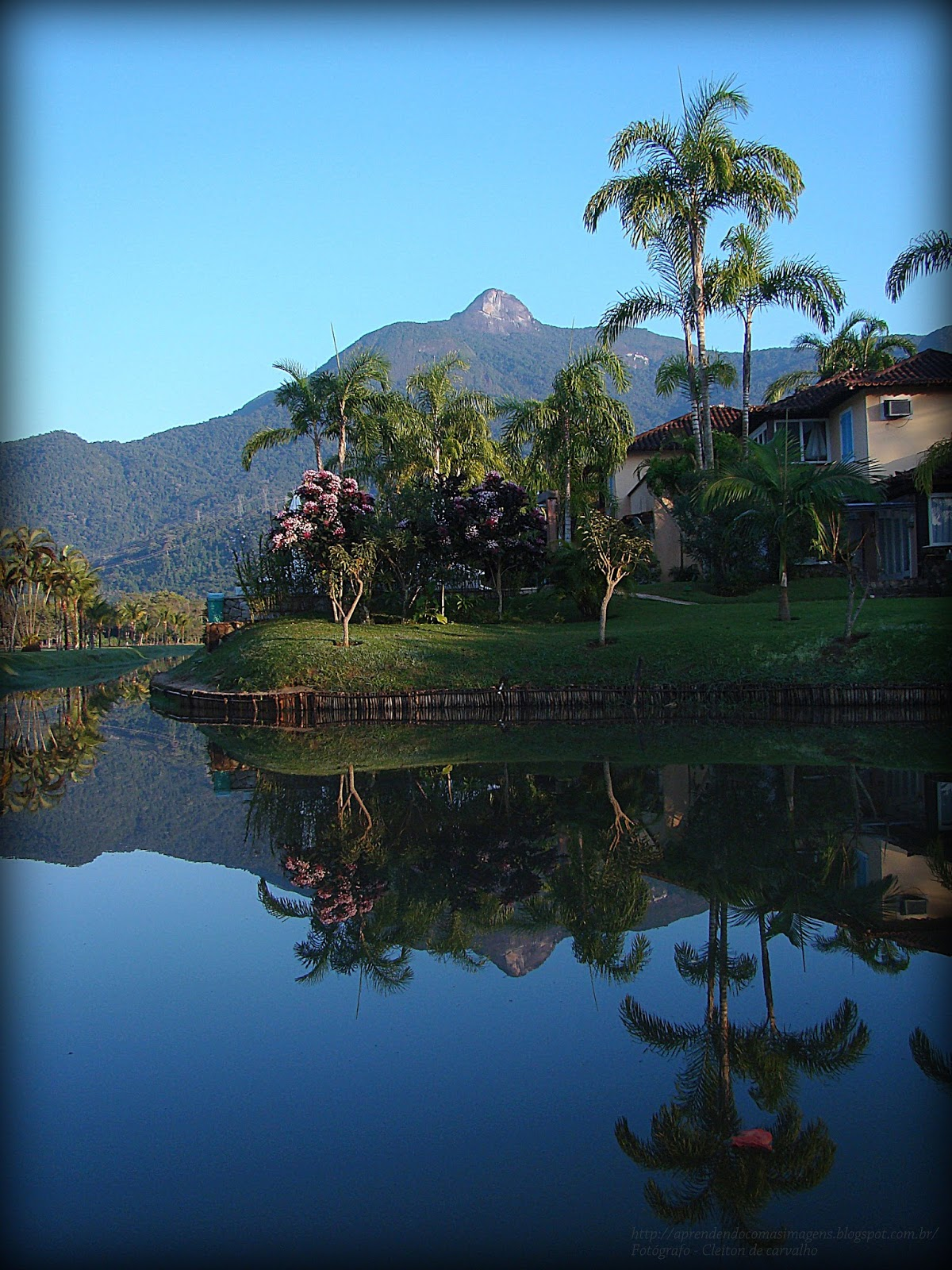 http://aprendendocomasimagens.blogspot.com.br/ - Um pedacinho de cada parte de Angra dos Reis Refletida em suas águas...
