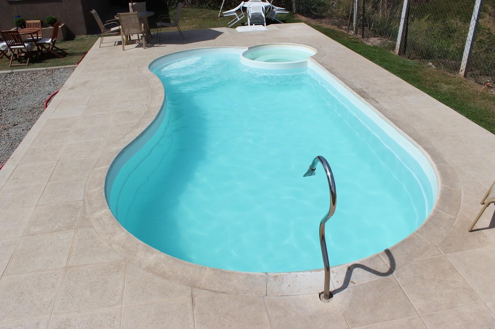 Fiber tudo para piscinas borda anti infiltra o para for Piscina fuori terra quando piove
