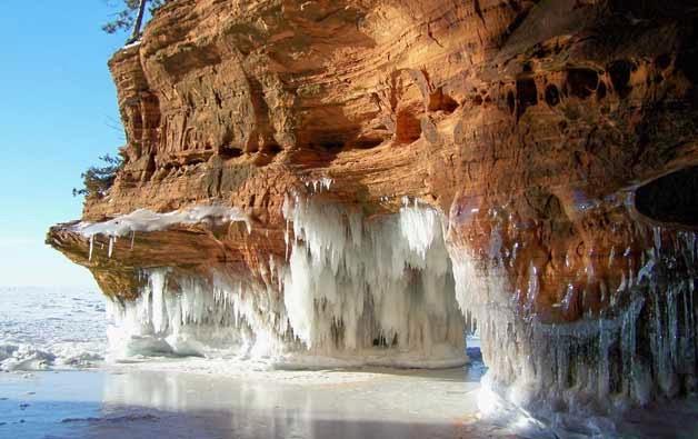 Cuevas de hielo ubicadas en la Isla de los Apóstoles
