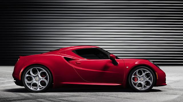 Alfa Romeo 4C side