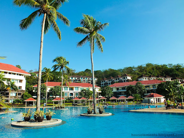 Canyon Cove Beach Resort - Pool Side