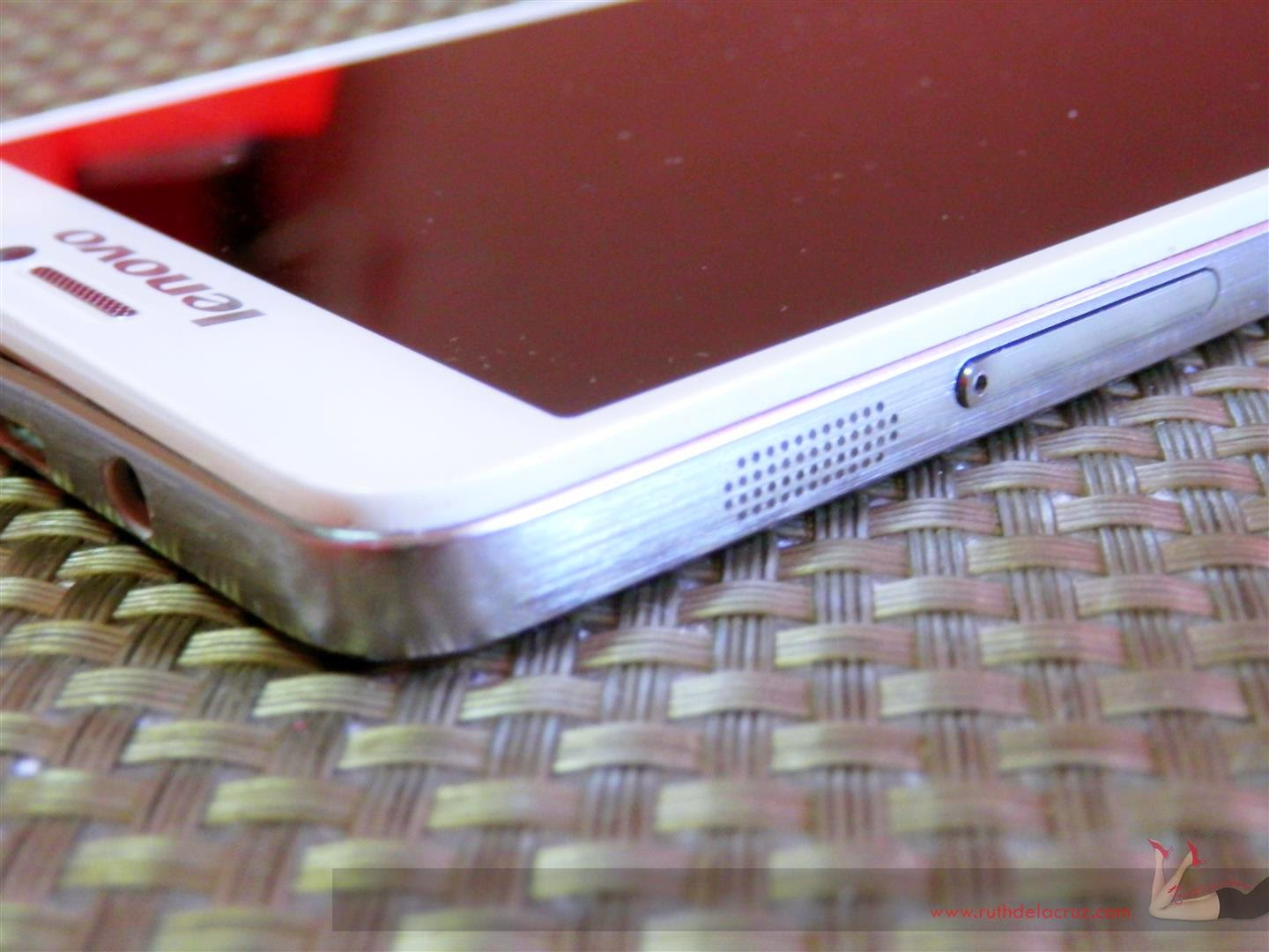 Ruthdelacruz Travel And Lifestyle Blog Review Lenovo S850 Quadcore Processor This Smartphone Seemed Perfect If Not For Key Opening The Sim Slot Which Can Accommodate Two Micro Sims A Second I Felt Worried About