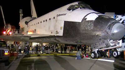 Endeavour view on runway at KSC. NASA 2011.