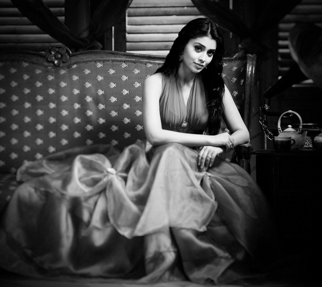 shriya saran unseen latest photos
