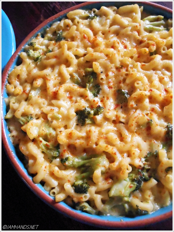 Jam Hands: Broccoli Cheddar Macaroni and Cheese