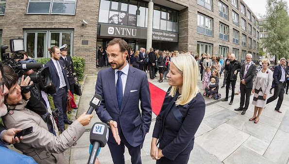 "The couple attended the opening of the laboratory ""SINTEF Energy"", the opening of an innovation center for students at the Norwegian University of Technology"