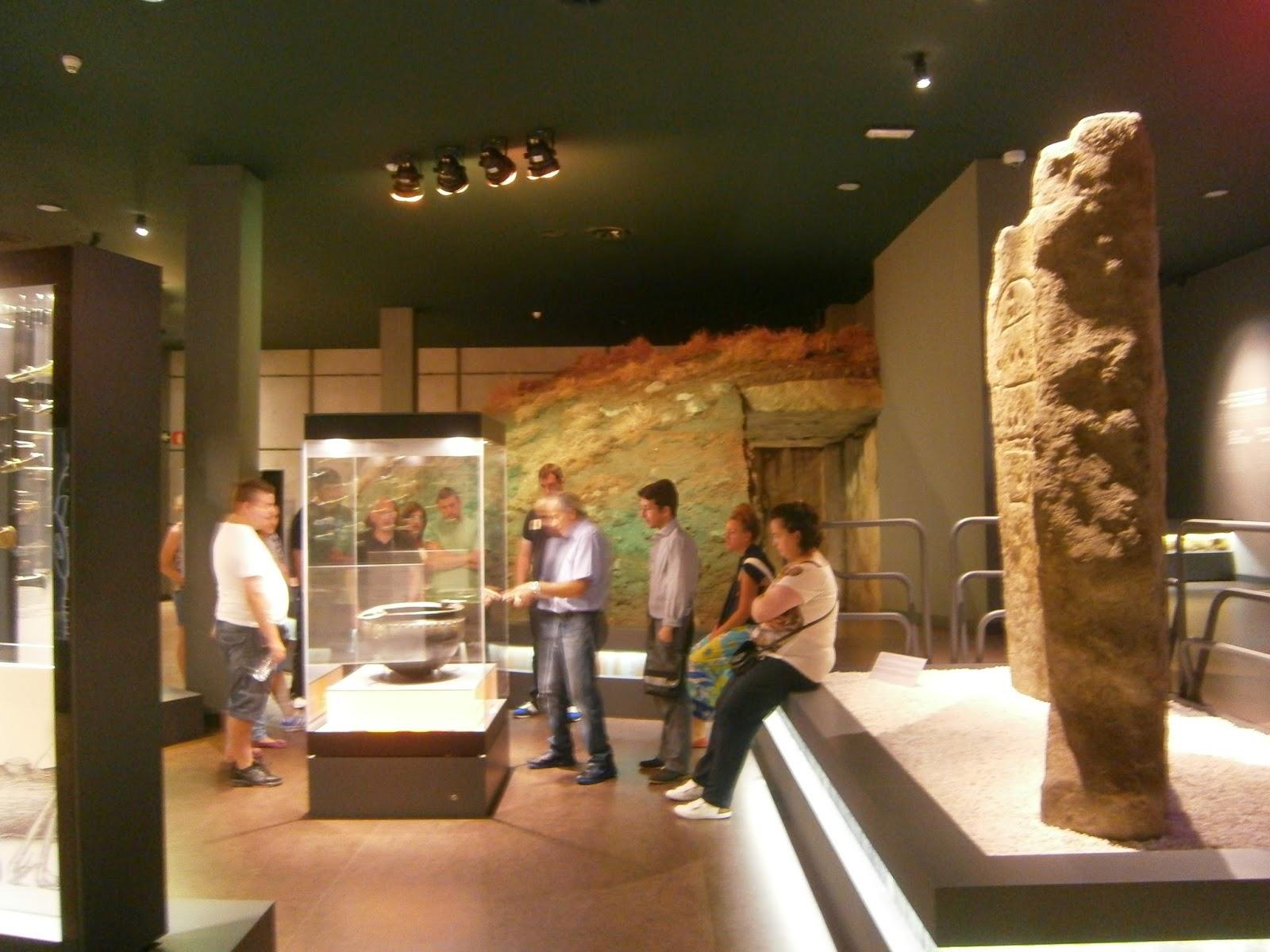 Centro Entorno: VISITA AL MUSEO DE PREHISTORIA Y ARQUEOLOGÍA DE CANTABRIA