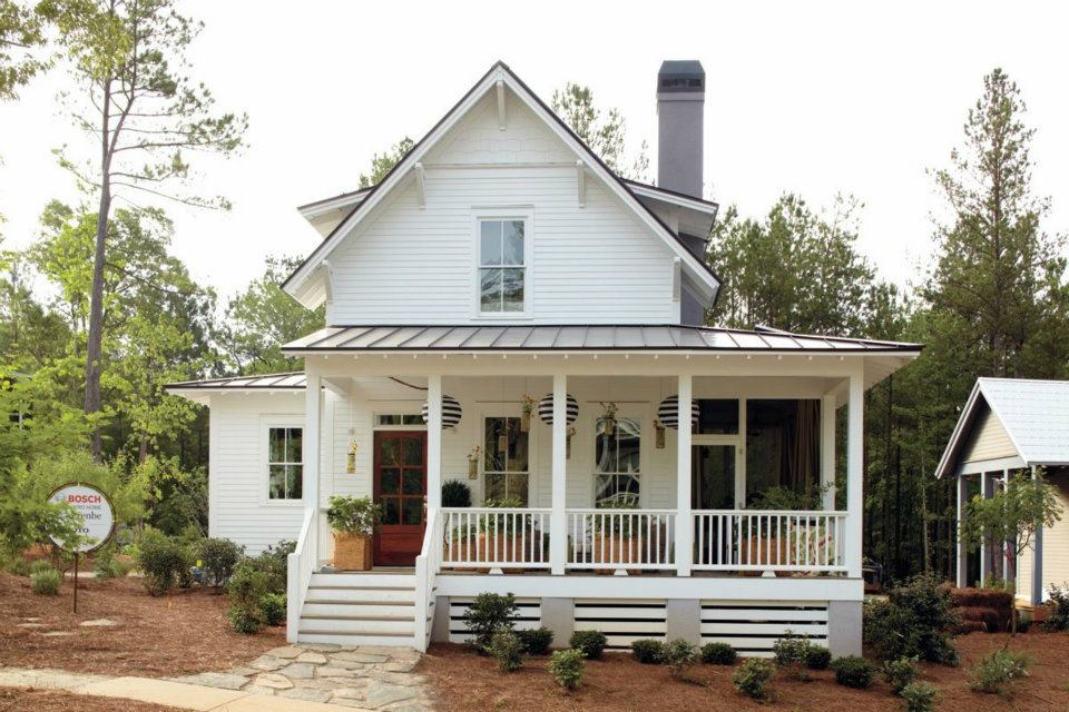 Busy days worthwhile modern white farmhouse for Farmhouse front porch pictures
