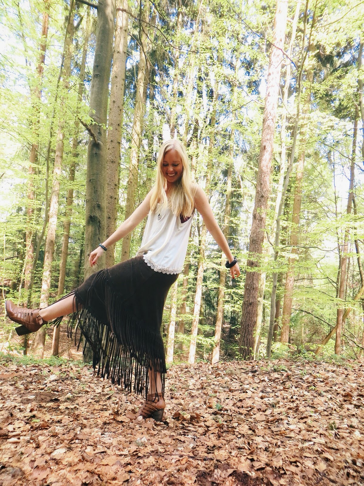 Song Yee Designs geode necklace, Deb crochet hem tank top, fringe maxi skirt, boho outfit, bohemian outfit, hippie outfit