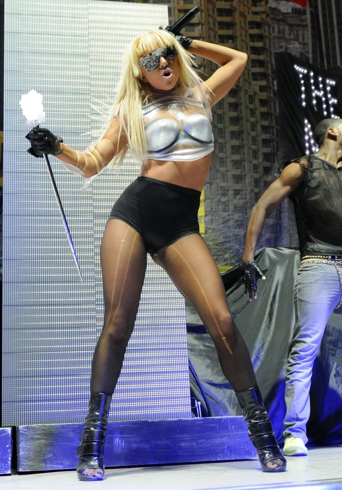 http://1.bp.blogspot.com/-Z298BQTatbA/UBVv5NE7clI/AAAAAAAAAa8/5pT3urgjx8w/s1600/Lady+Gaga+Phenomenon-top-celebrity2011.blogspot.com-Lady-GaGa--1230489.jpg