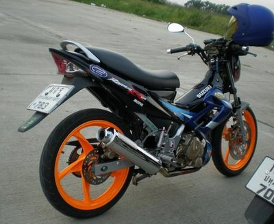 suzuki raider FU 03.jpg