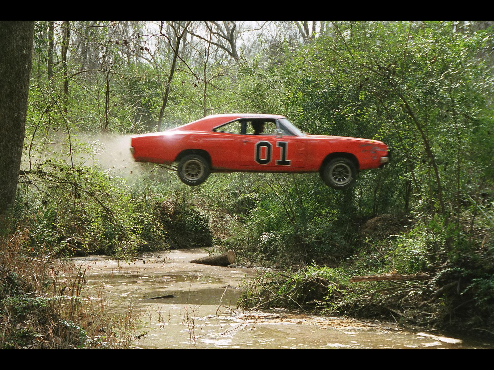 http://1.bp.blogspot.com/-Z2JeO7bDdFM/T4dxvmO35II/AAAAAAAABUE/BFbYcrPiTcI/s1600/1969-Dodge-Charger-General-Lee-DOH-Jump-Swamp-1600x1200.jpg