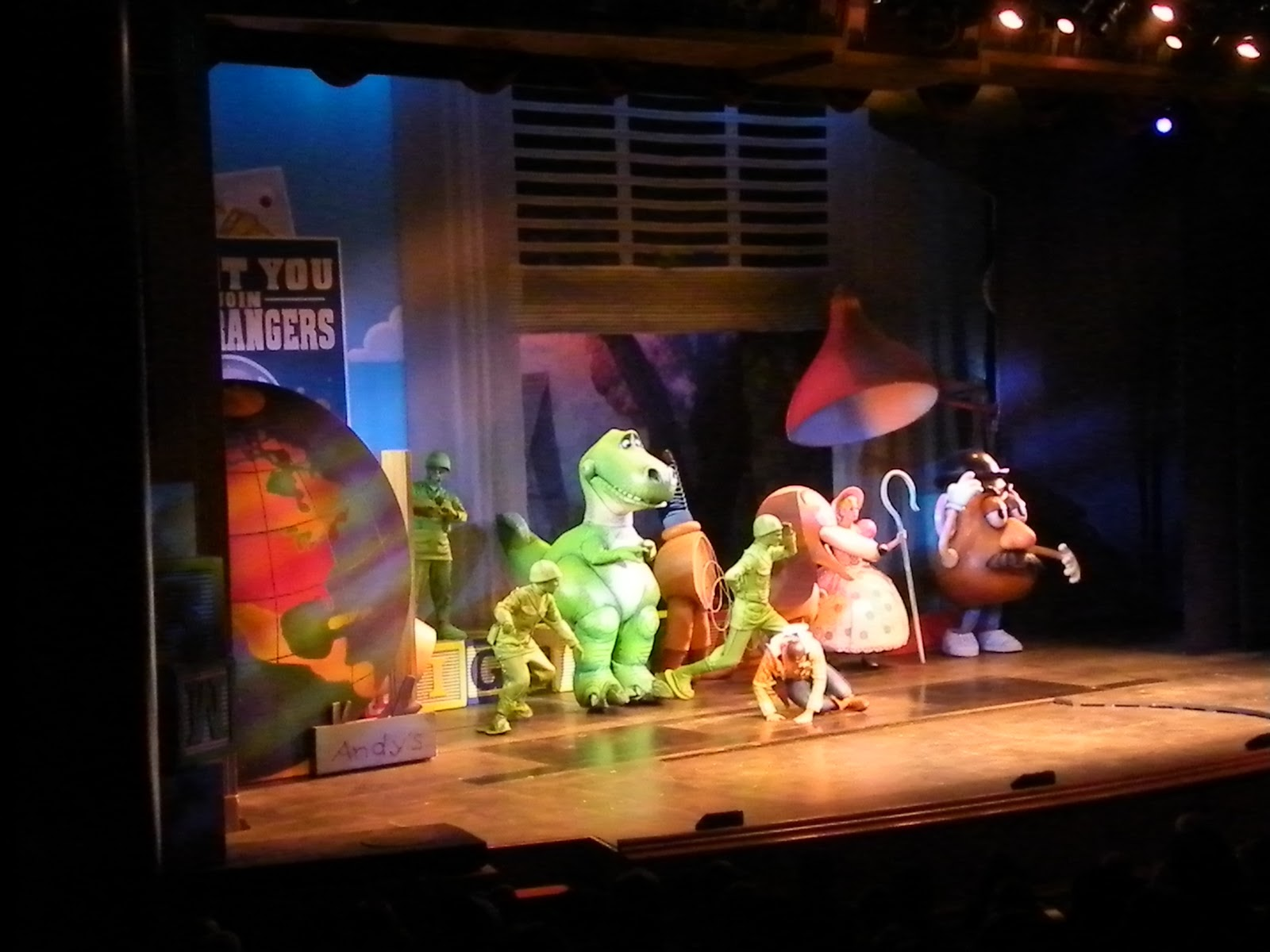 Toy Story The Musical : Pixie pranks and disney fun aladdin the musical vs toy