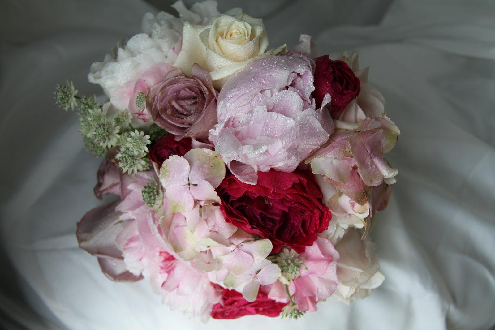 astrantia peony bouquet wedding pink red vintage hydrangea