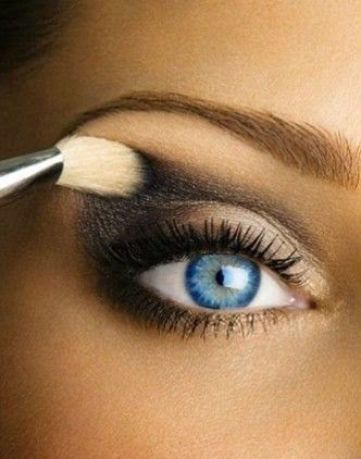 How-to-create-a-smokey-eye
