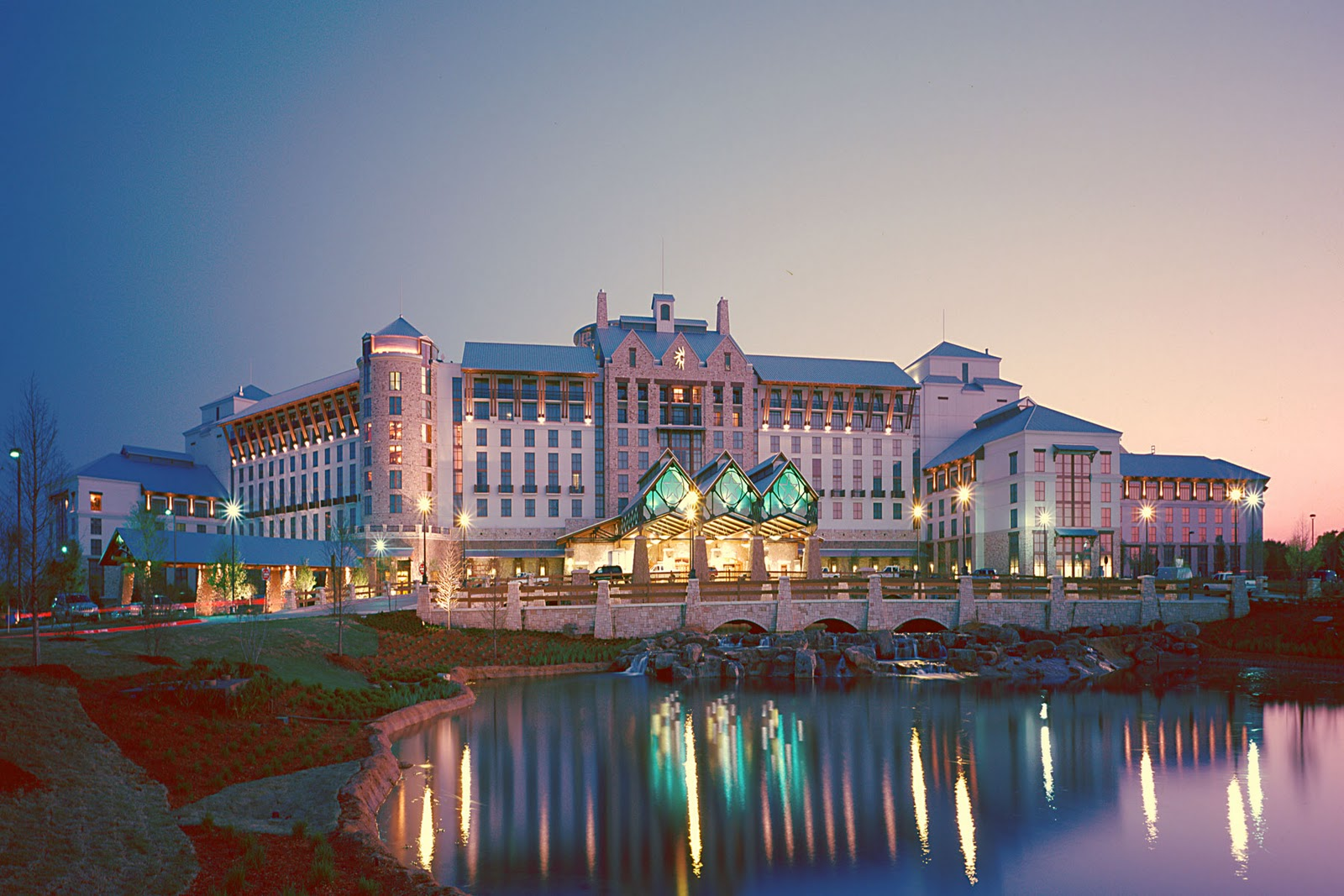 GOING ON ADVENTURES: Lone Star Christmas at Gaylord Texan Resort