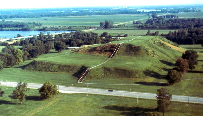 the history of the mound builders of cahokia in ancient america The mound builders: (altered landscapes) usa has more than 100,000 artificial mounds between the great lakes and the gulf of mexico (12) the varying cultures collectively called mound builders were prehistoric inhabitants of north america who, during a 5,000-year period, constructed various styles of earthen mounds for religious.