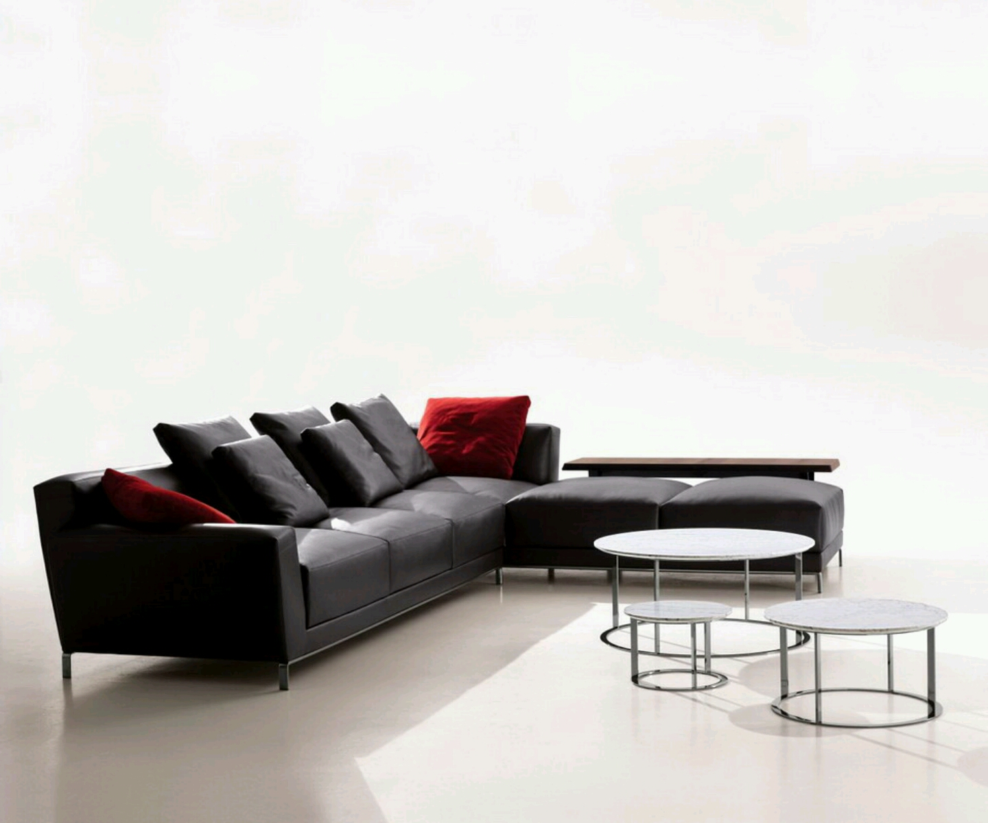 Modern sofa designs with beautiful cushion styles for Modern style sofa