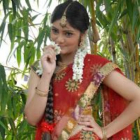Aishwarya cute in half saree