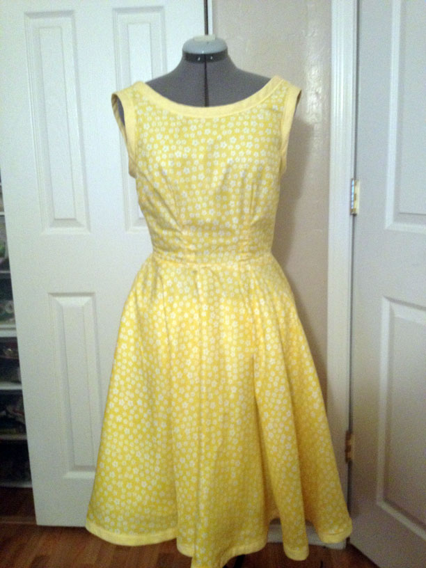 The Sewing Lab: Retro Yellow Dress - Butterick 5748