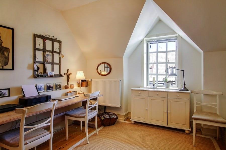 wystrój wnętrz, home decor, wnętrza, dom, mieszkanie, aranżacje, dworek, styl skandynawski, mix stylów, pracownia, biurko, retro