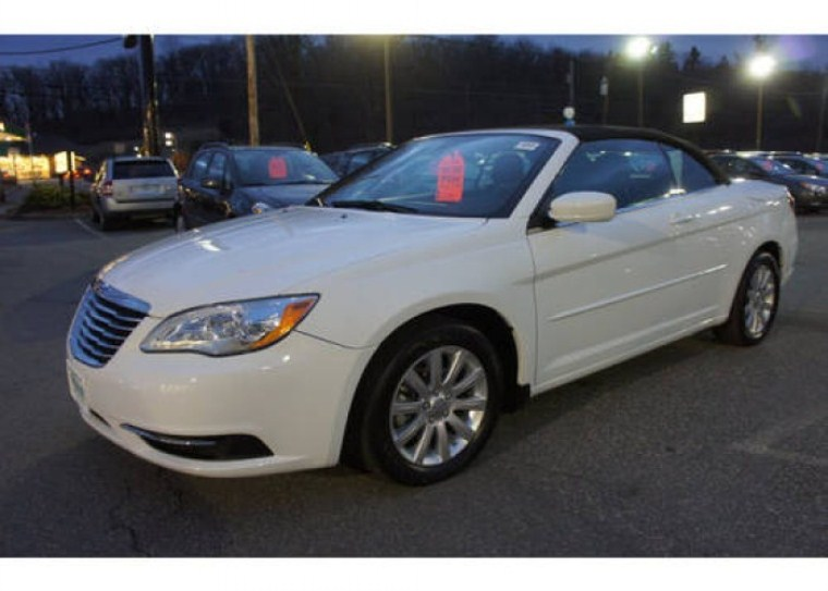 2014 chrysler 200 convertible touring short news poster. Cars Review. Best American Auto & Cars Review