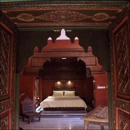 Moroccan bedroom design ideas room design inspirations for Eastern bedroom designs