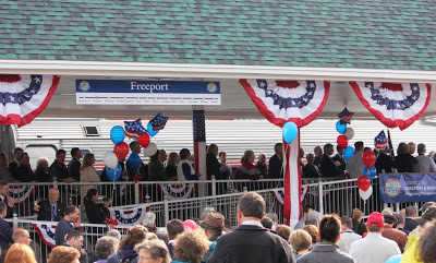 Crowds greet Downeaster in Freeport