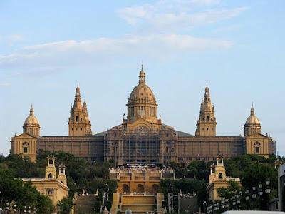 muzeul de arta contemporana din barcelona
