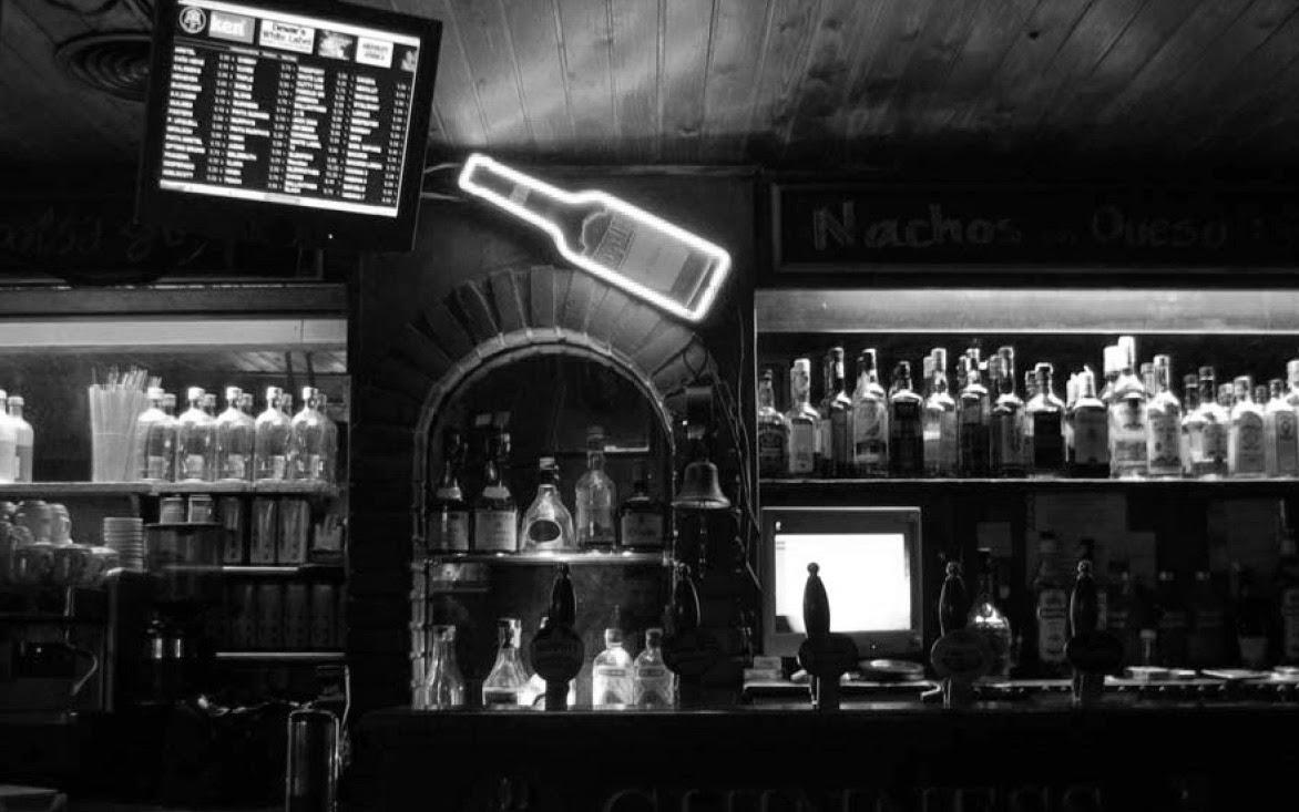 cerveza, cocktail, bar, noche, ocio nocturno, Barcelona, bcn, bebidas, amigos, diversión