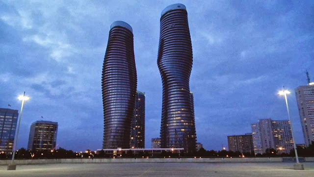01-Absolute-World-Towers-wins-Emporis-Skyscraper-Award-2012
