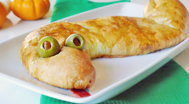 Snake Calzone pizza recipe halloween food idea kids dinner party creative