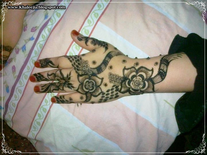 Mehndi Ankle Instagram : Intricate anklet payal feet ornament inspired henna mehndi design