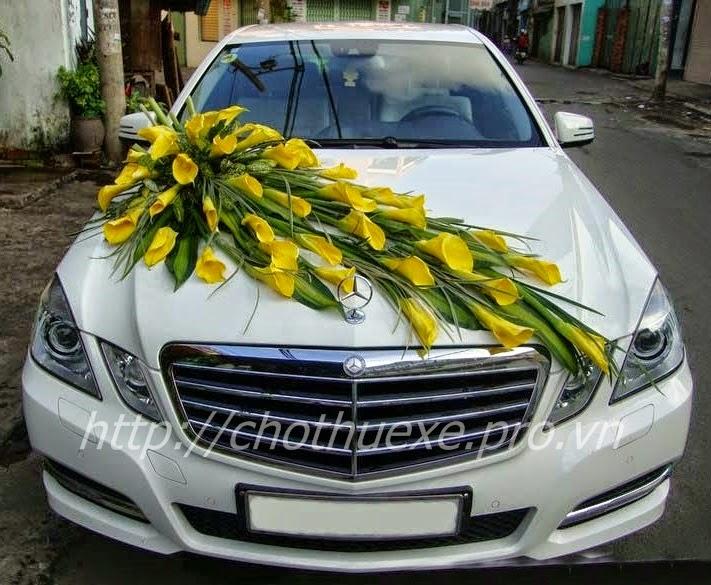 Cho thuê xe Mercedes C250 - xe cưới màu trắng - xe hạng sang 1