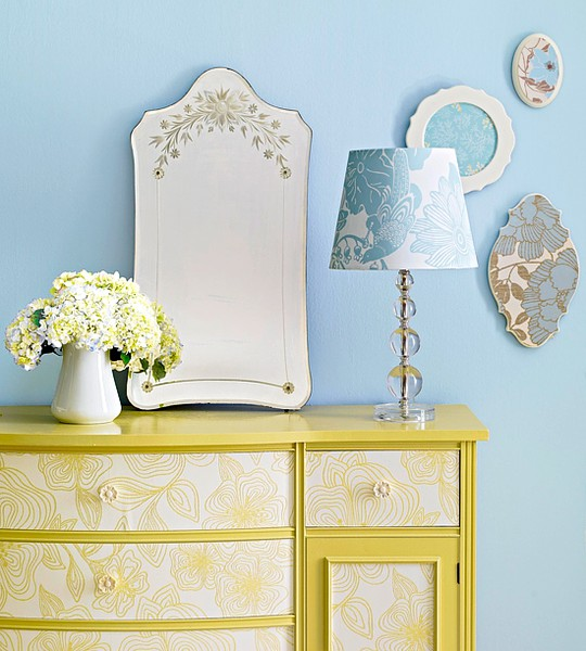 Beehive Art Salon Diy With Vintage Wallpaper