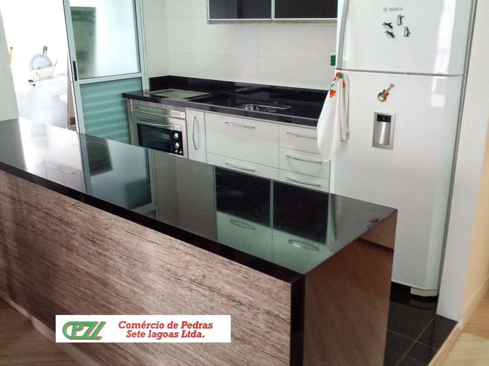 cozinha americana em são gabriel com fechamento lateral ilha em #60493C 1600 1200