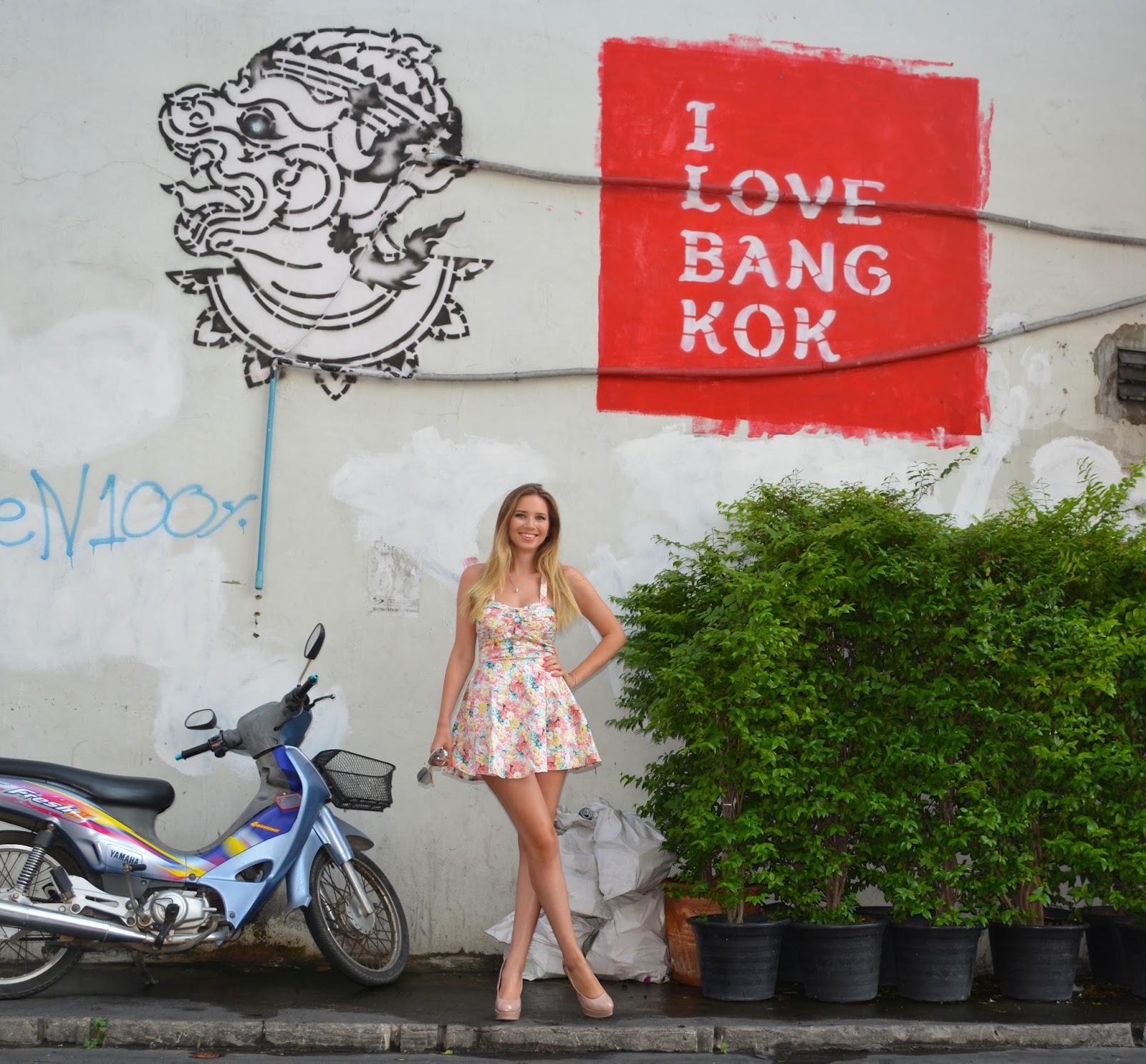 kristýna vacková, blog thajsko, thajsko, I love bangkok, flower dress, květované šaty, letní šaty, krátké letní šaty, outfit, český blog, thailand, blog o cestování, cestování na vlastní pěst do thajska