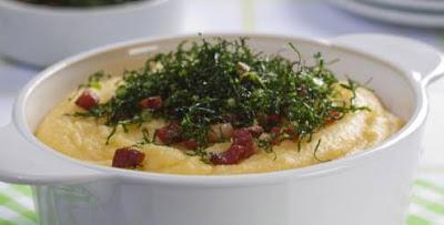 Receita de Angu cremoso com bacon e couve frita
