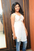 Shweta glam photos stills-thumbnail-4