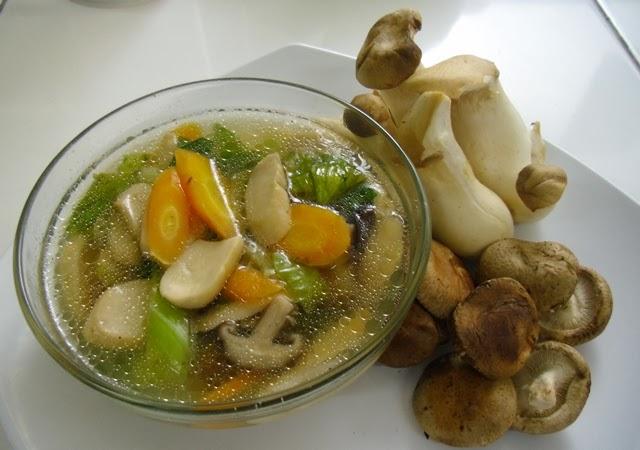 arieftng: Simple Mushroom Soup