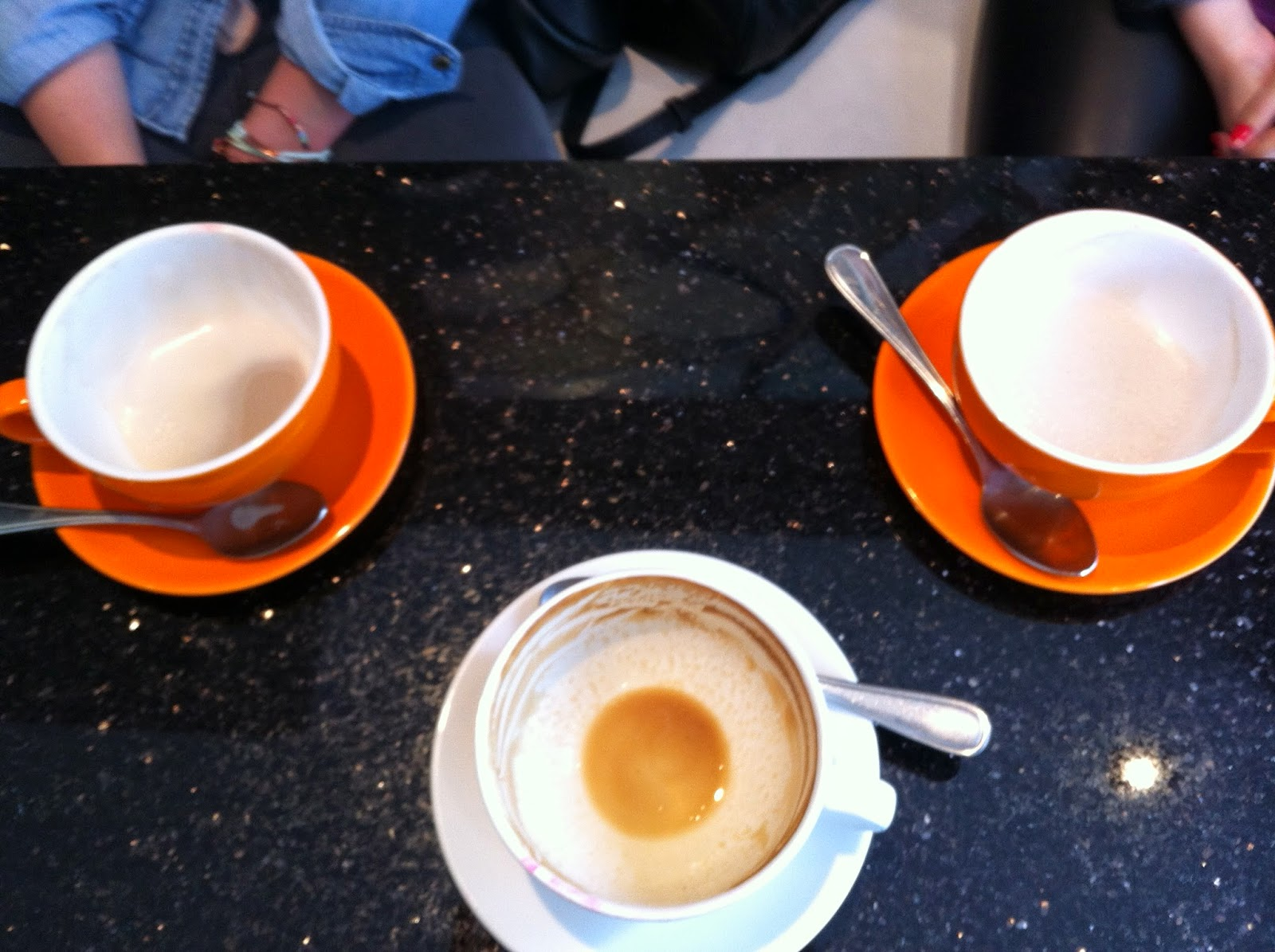 latte-cups