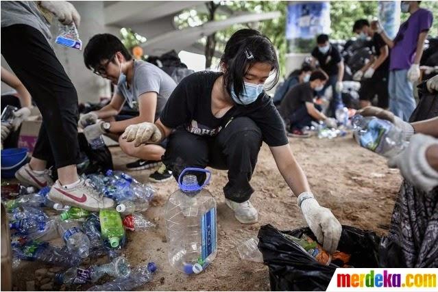 kebersihan di demo hongkong