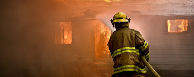 INCENDIOS FORESTALES EN CALIFORNIA DEJAN 6 MUERTOS Y 1.600 CASAS DESTRUIDAS