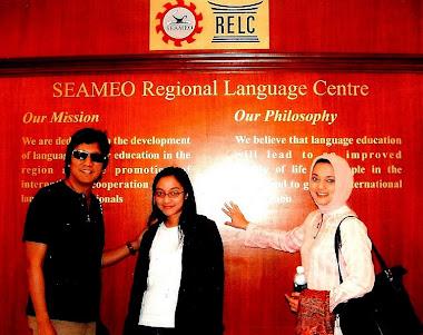 Ikang Fawzi, Isabella Fawzi dan Marissa Haque di RELC, Singapura, 2007.