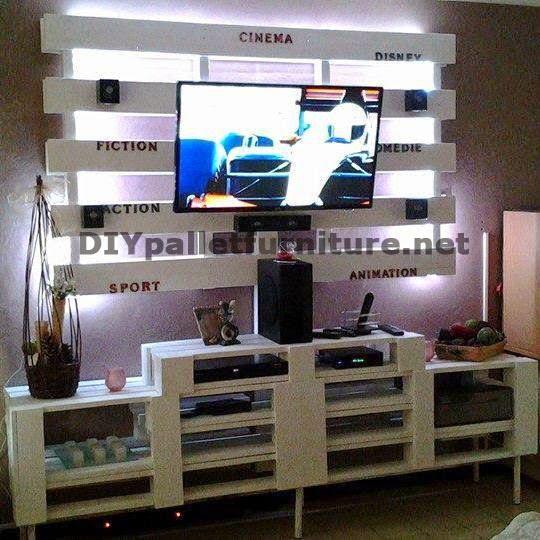 Mueble para el televisor de palets for Muebles para tv con tarimas