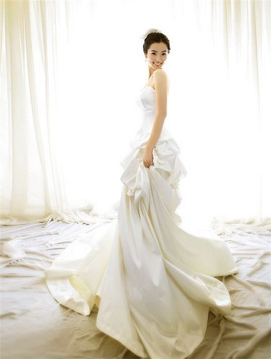 the dress will be so simple at wedding 2012 | woman dress